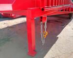 2) Verbindet die Kette die Rampe mit allen Arten der Lastkraftwagen sicher.